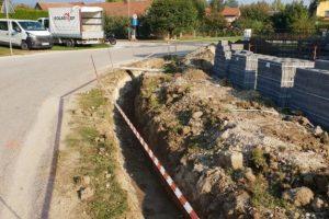 Betonska ograja- bazen - Race (2)