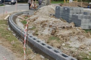 Betonska ograja- bazen - Race (8)